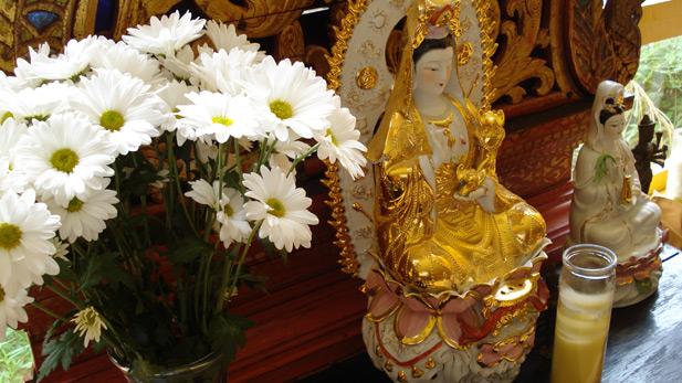 Thai altar 617x347