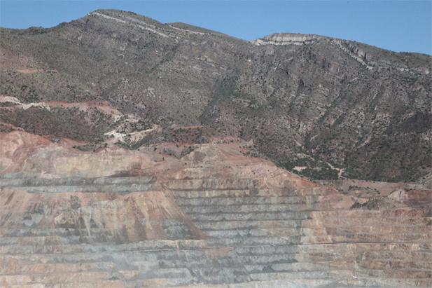 AZ-Copper_Ray-Mine-Overlook-east-zoom_fullframe