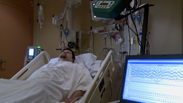 A UMC trauma surgeon is working to help patients in a hospital's intensive care unit have a better night's sleep.