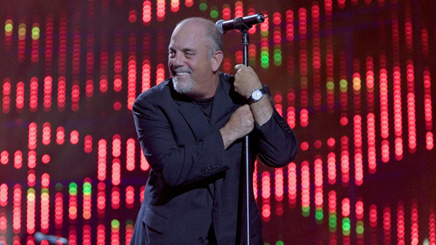 billy_joel_at-mic_shea_stad_spot