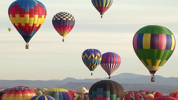wacky_amer_HotAir_balloons-spot