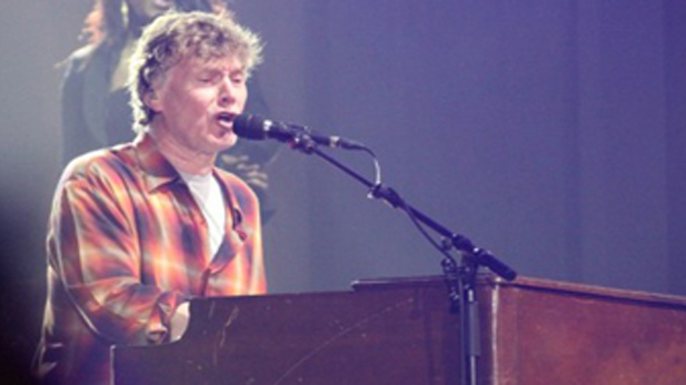 Steve Winwood onstage during his 2010 shows with Eric Clapton