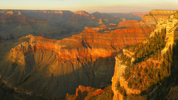 Sunset at Yavapai Point, along the Grand Canyon's South Rim.