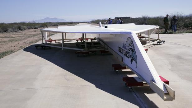 paper-plane-runway-spot
