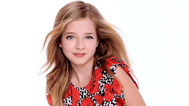 Recorded in the movie palace splendor of the Orpheum Theater in Los Angeles, Jackie Evancho puts her unique stamp on audience favorites.
