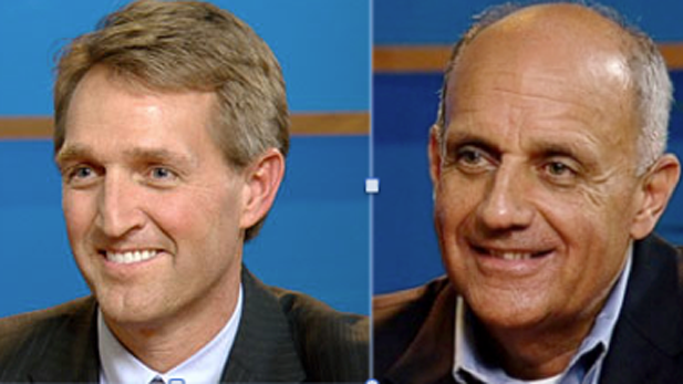 Republican Jeff Flake (left), Democrat Richard Carmona.