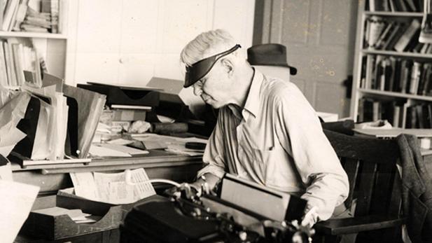 sandburg_typewriter_spot