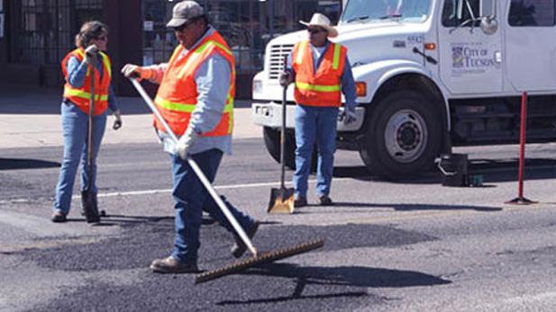 Tucson road repair potholes spot