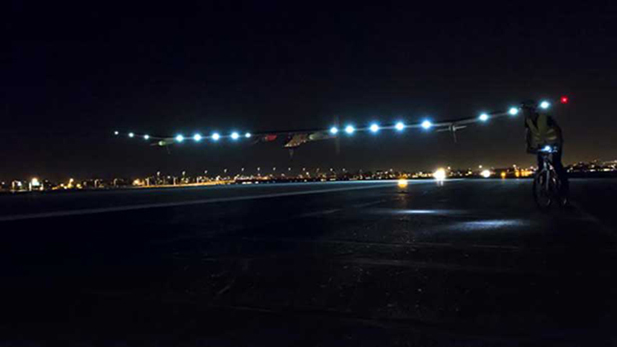 Solar Impulse Land-Spotlight