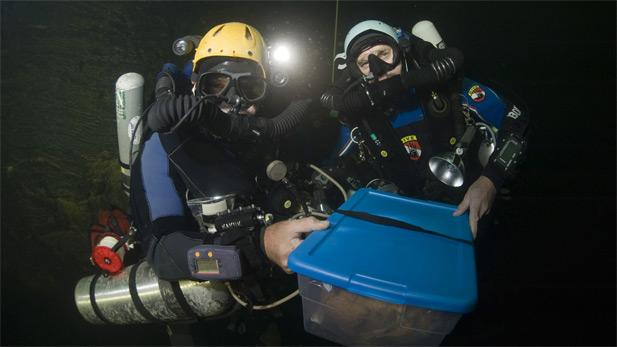 nova_cave_diving_container_spot