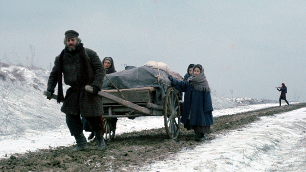 fiddler_roof_family_cart_spot