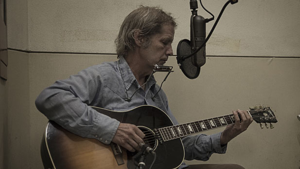Cyril Barrett recording a Stairwell Session