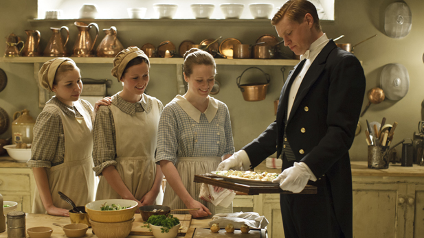 downton_seas4_eps4_alfred_spot