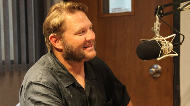 Singer, songwriter and guitarist Mike Kanne talks about his music in the AZPM radio studio