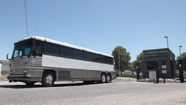 bus leaving BP shelter nogales spotlight