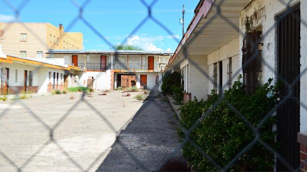 Courtyard of Downtown Motor Hotel SPOT