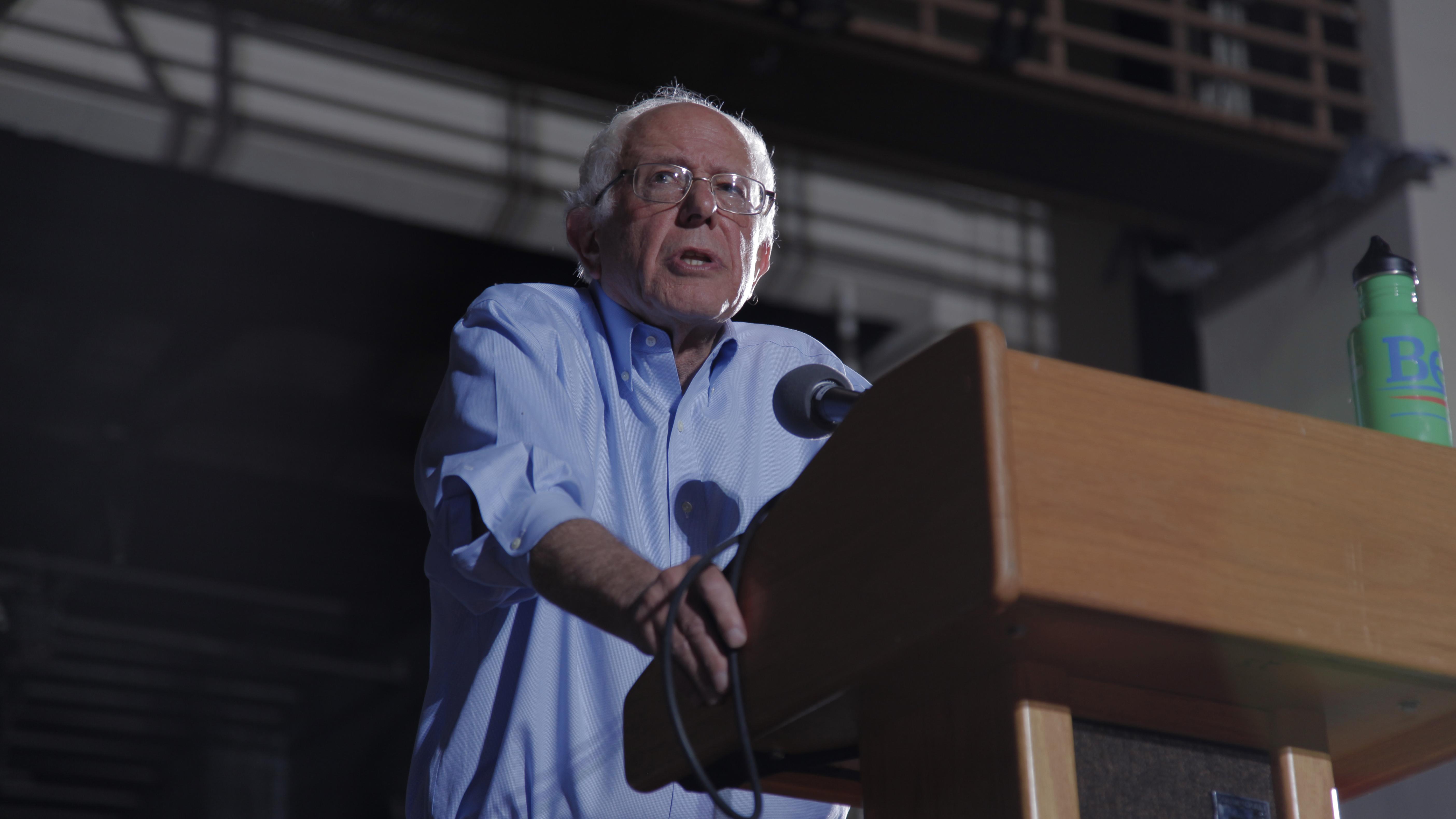 Sanders Speaks in Tucson Spotlight