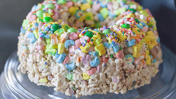 No-Bake Lucky Charms Cake