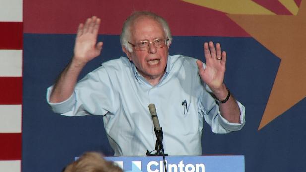 Bernie Sanders Tucson 10-18-16 spotlight