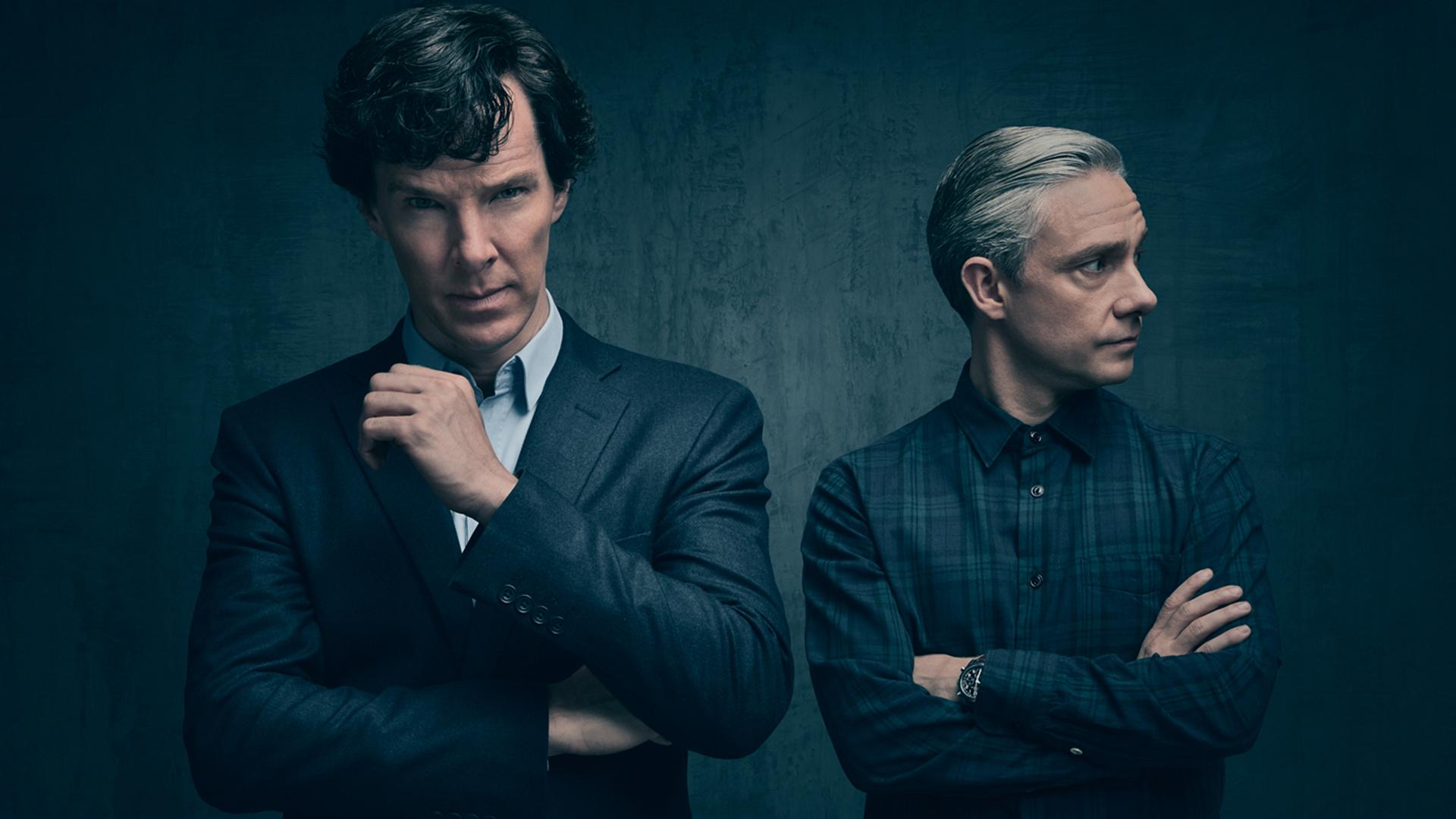 Sherlock Holmes and John Watson: Official Season 4 photo.