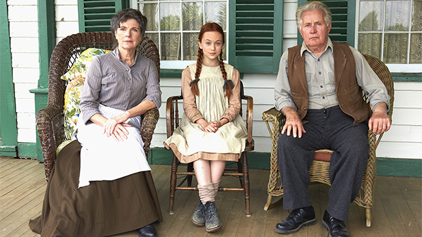 Shown left to right, Sara Botsford as Marilla Cuthbert, Ella Ballentine as Anne Shirley, and Martin Sheen as Matthew Cuthbert