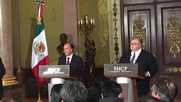 Mexican treasury secretary José Antonio Meade, left, and Agustín Carstens, governor of the Central Bank of Mexico, offered a press conference on Wednesday, Nov. 9 at Palacio Nacional, the executive's main office in Mexico City, to detail their plan to fight market uncertainty after the U.S. elections.