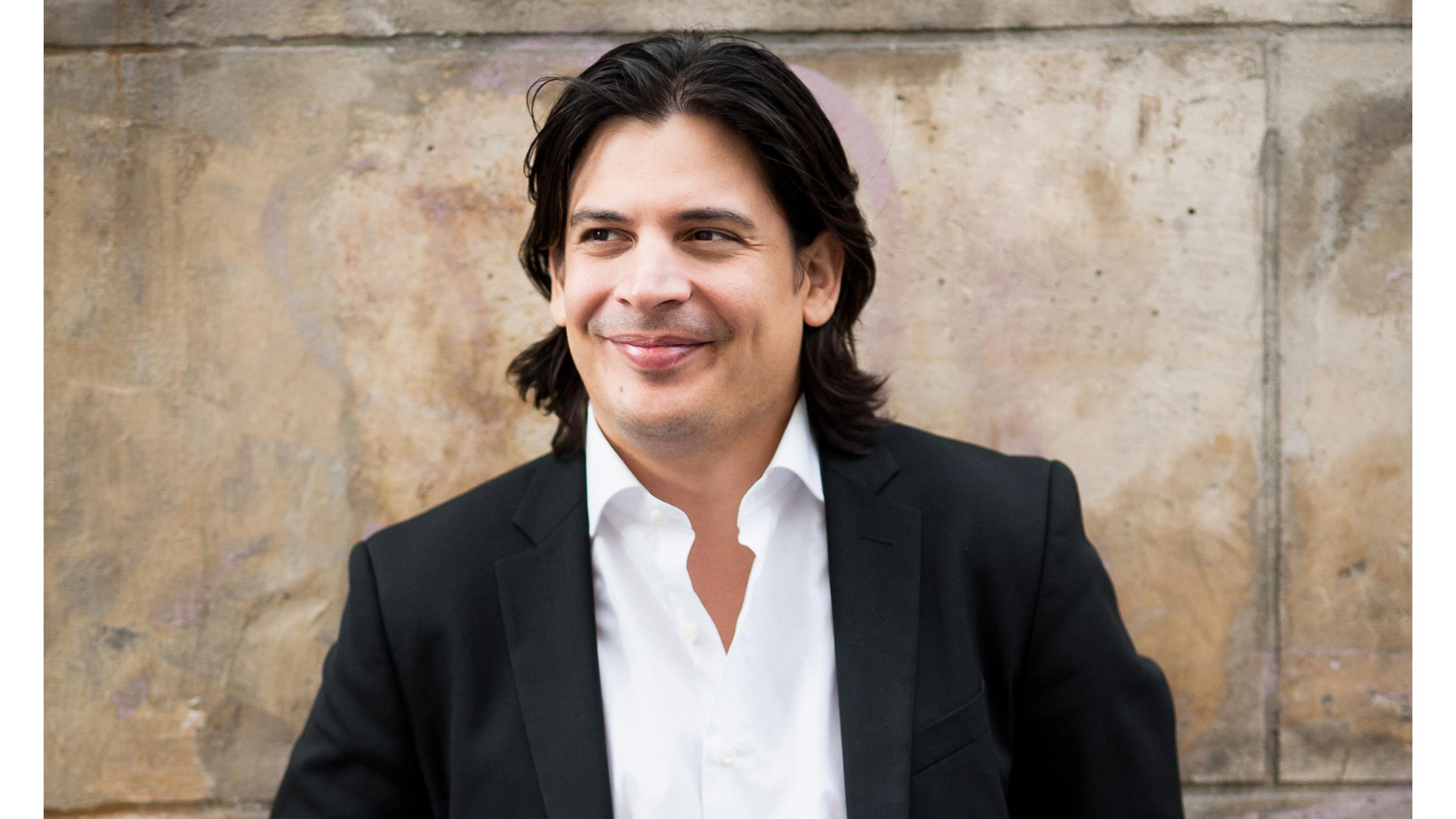 Jose Luis Gomez Spotlight