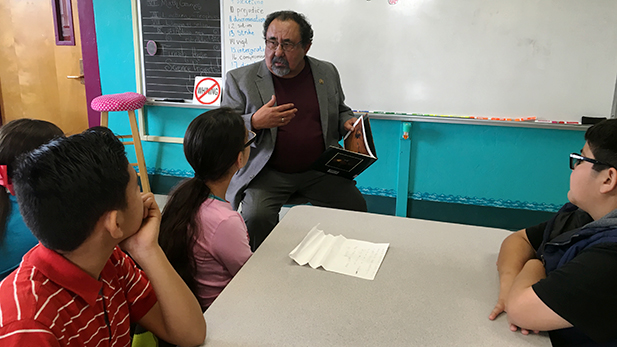 Rep. Raúl Grijalva reads to 5th grade students at Davis Elementary on February 18, 2016.