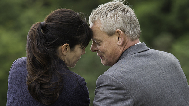 Louisa (Caroline Catz) & Doc (Martin Clunes)