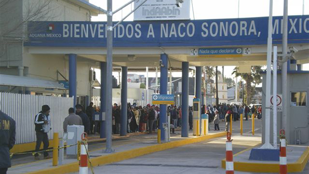 The port of entry at Naco, Sonora, 2009.