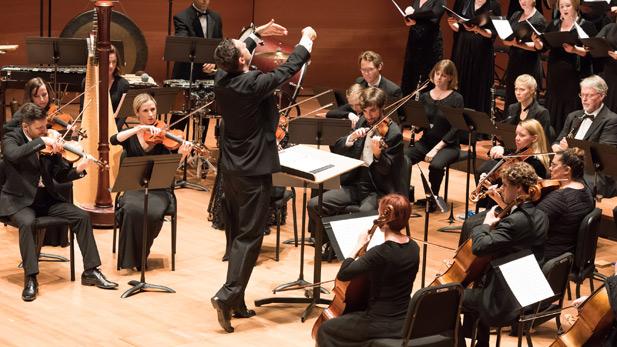 Tucson Desert Song Festival conductor Eric Holtan.