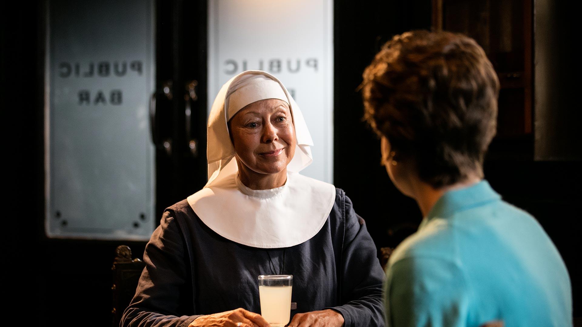 Jenny Agutter as Sister Julienne, Jennifer Kirby as Valerie Dwyer
