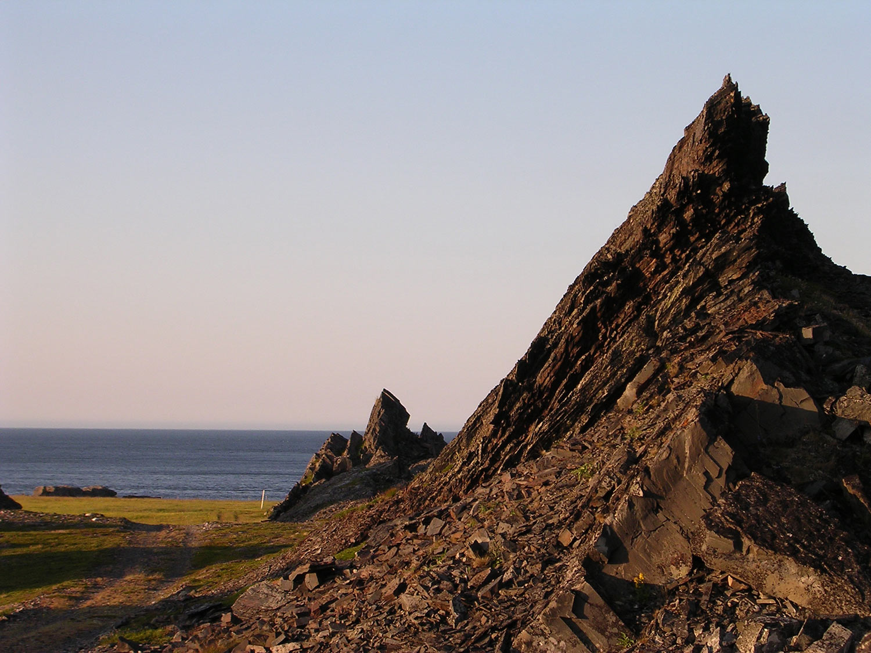 Kongsfjord Veines rocks