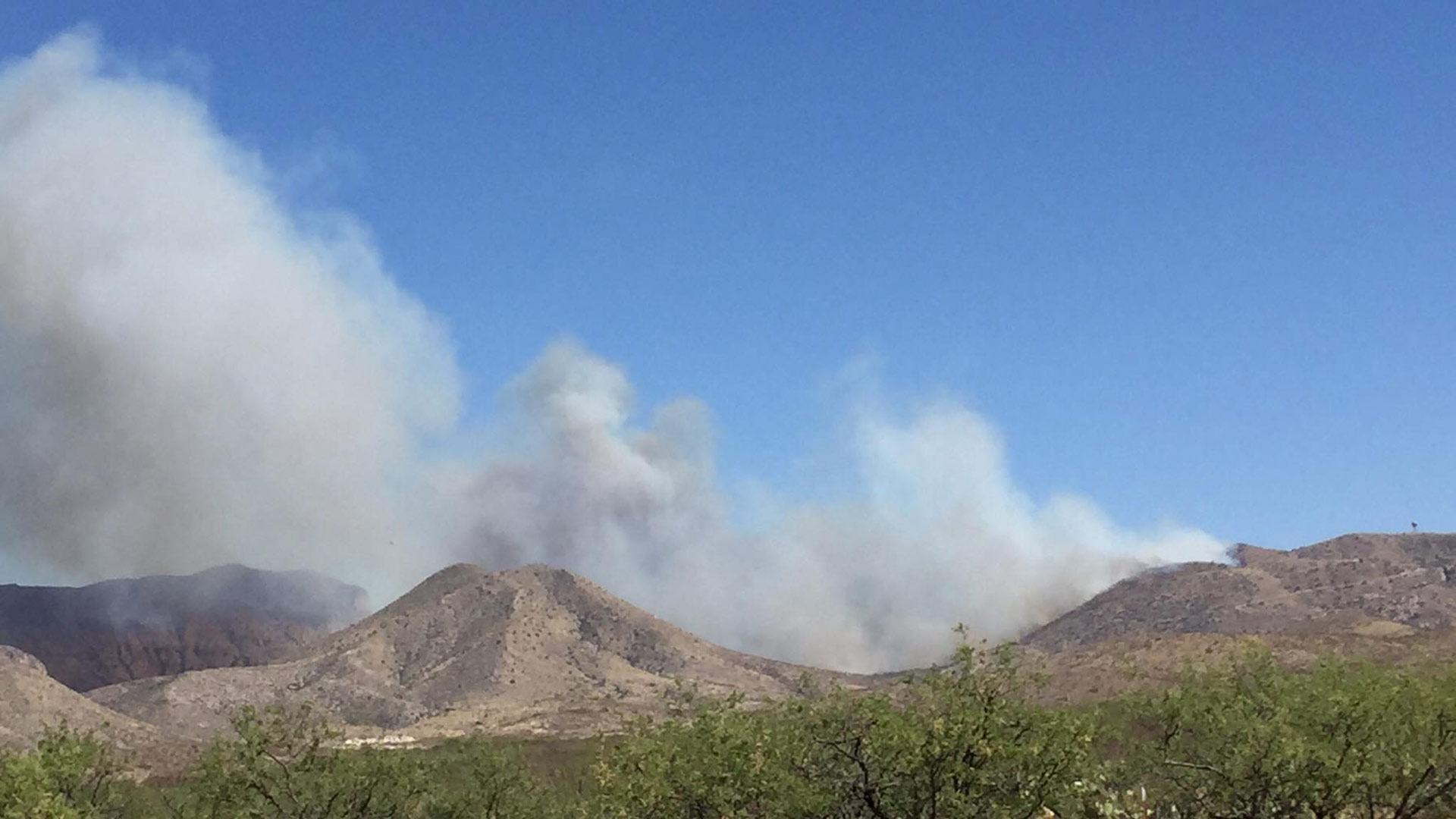 Photo of the Mulberry Fire taken the afternoon of Saturday, May 6, shortly after the wildfire started.