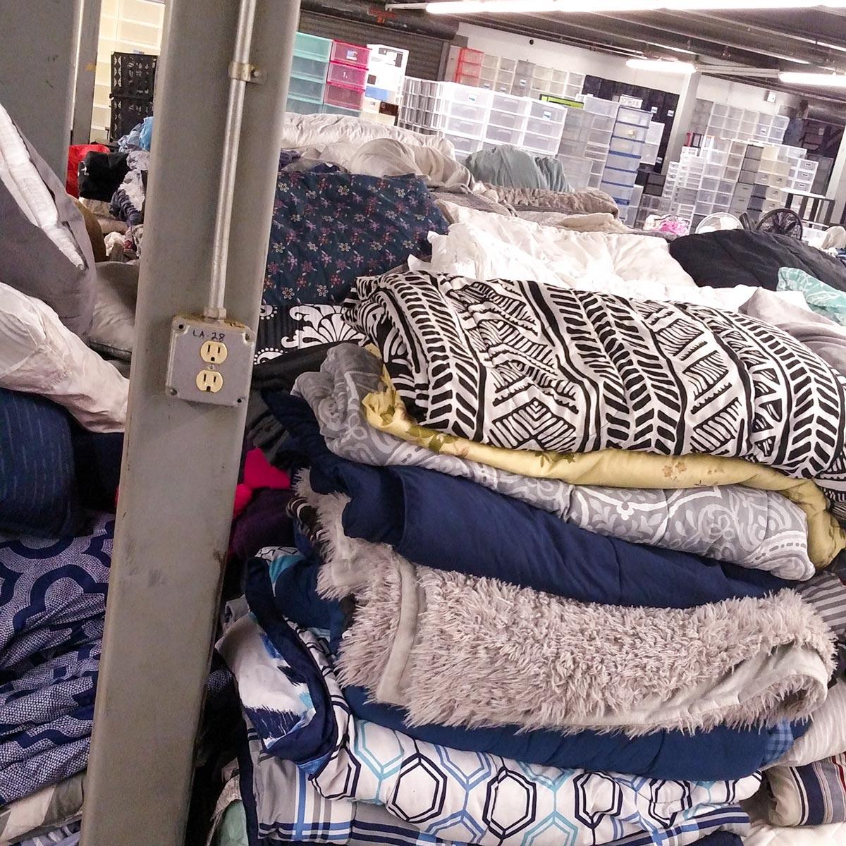 blankets UA