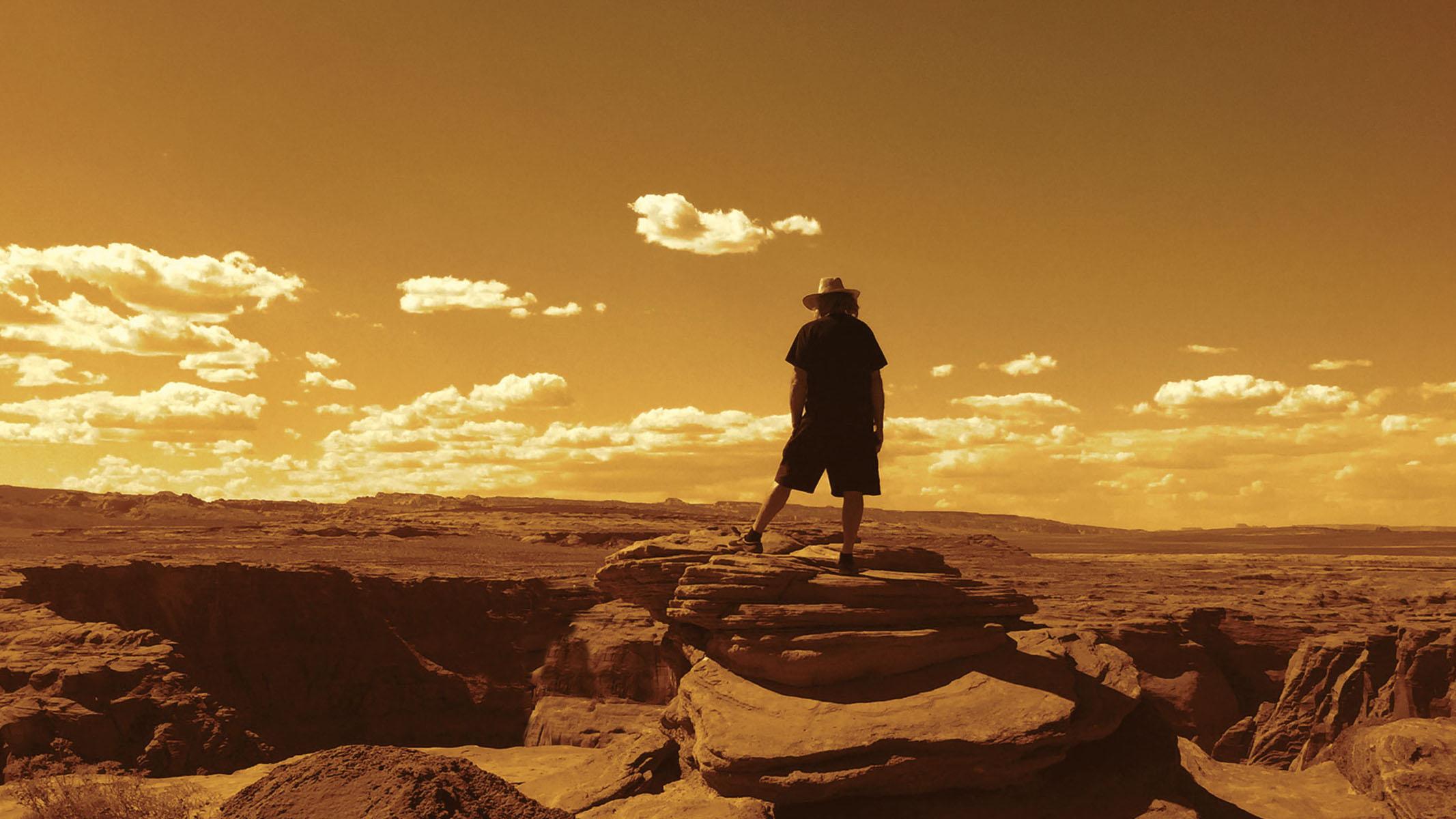 steve roach desert hero