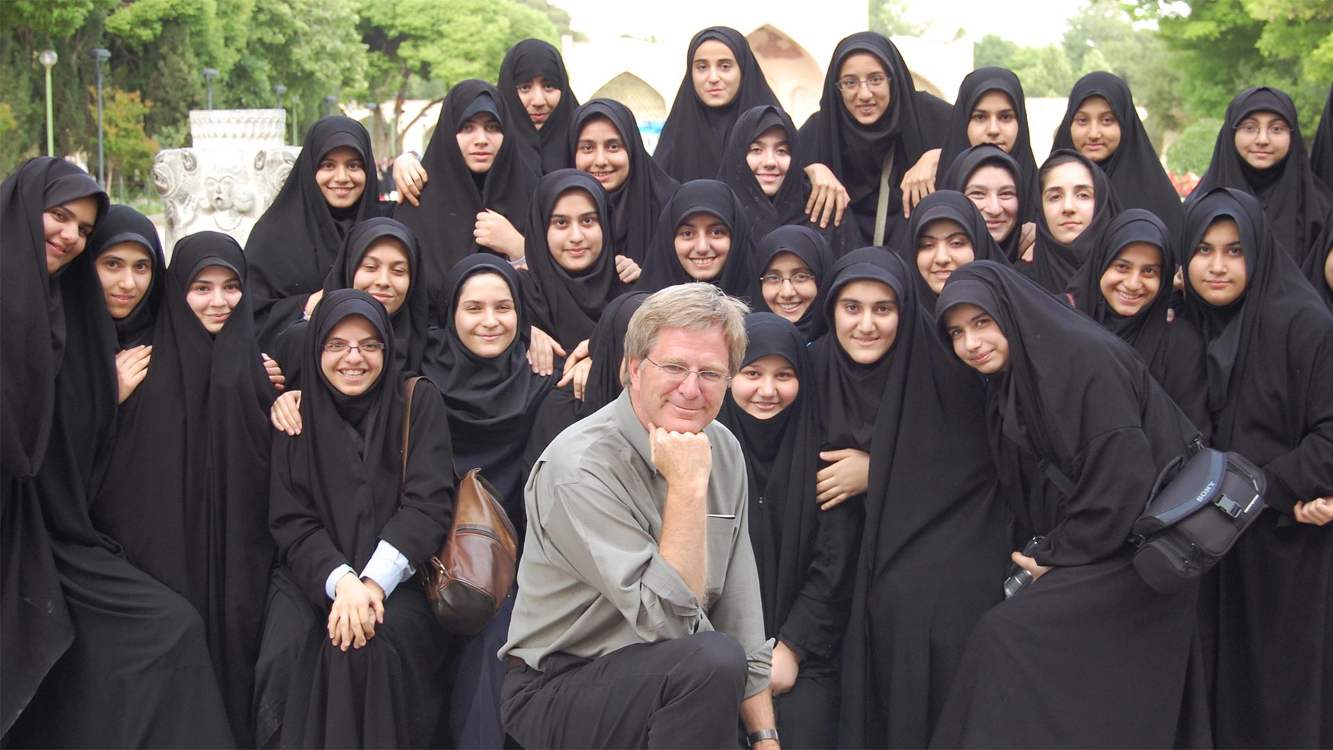 Rick with school girls in Esfahan, Iran.