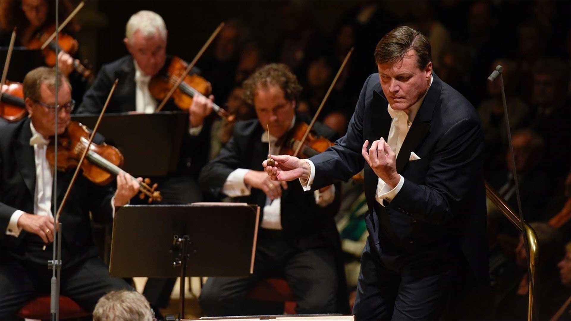 Christian Thielemann conducting the Vienna Philharmonic.