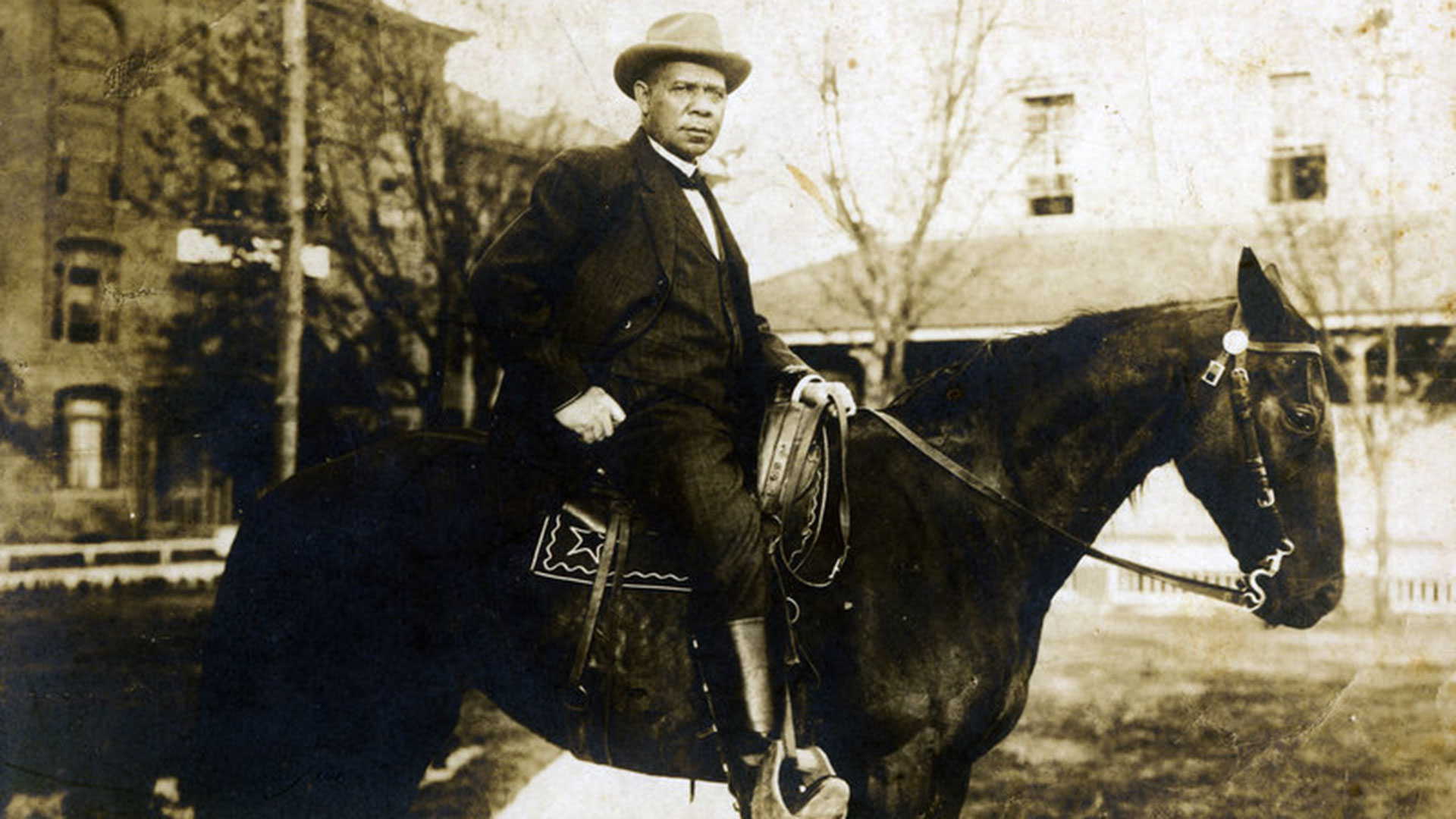 black_colleges_booker_t_washington_hero