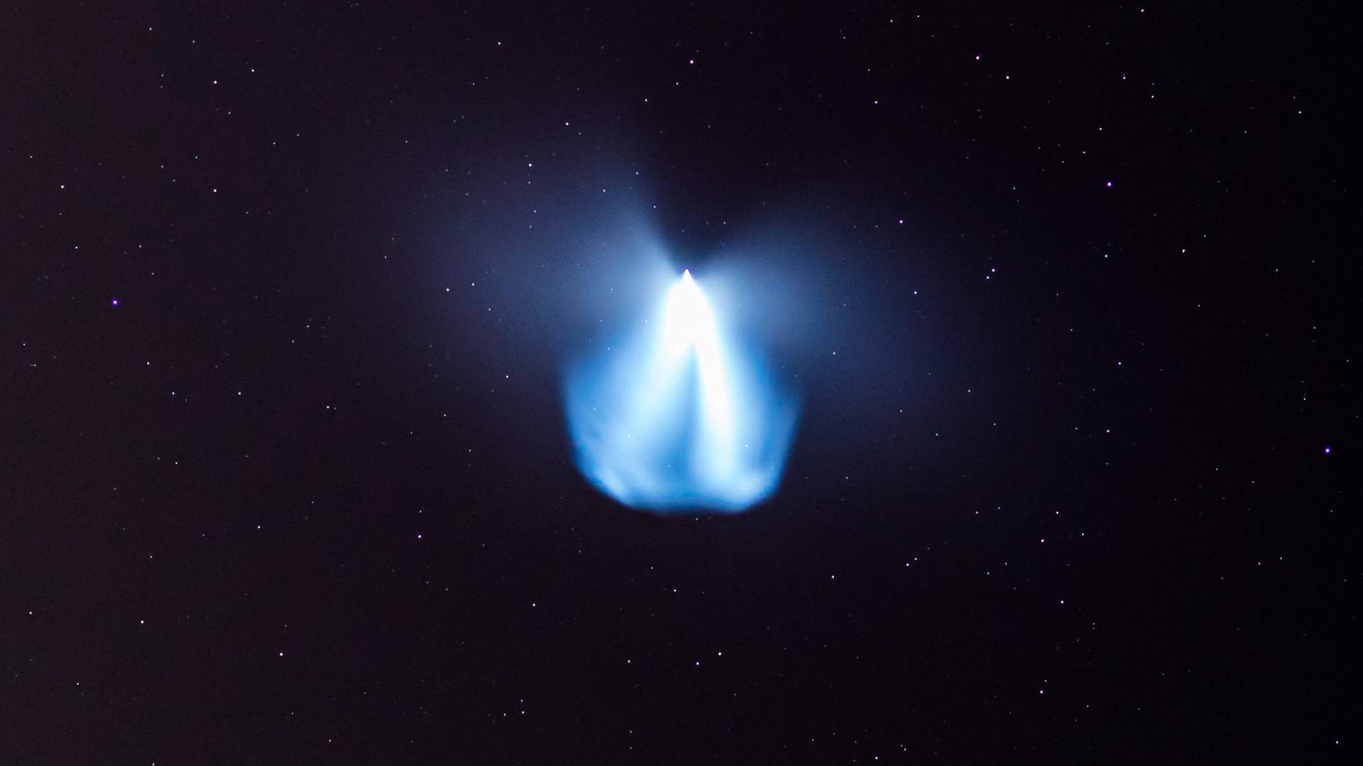 The plume from Falcon Heavy's second stage engine created an unusual show in the skies above the Southwest.