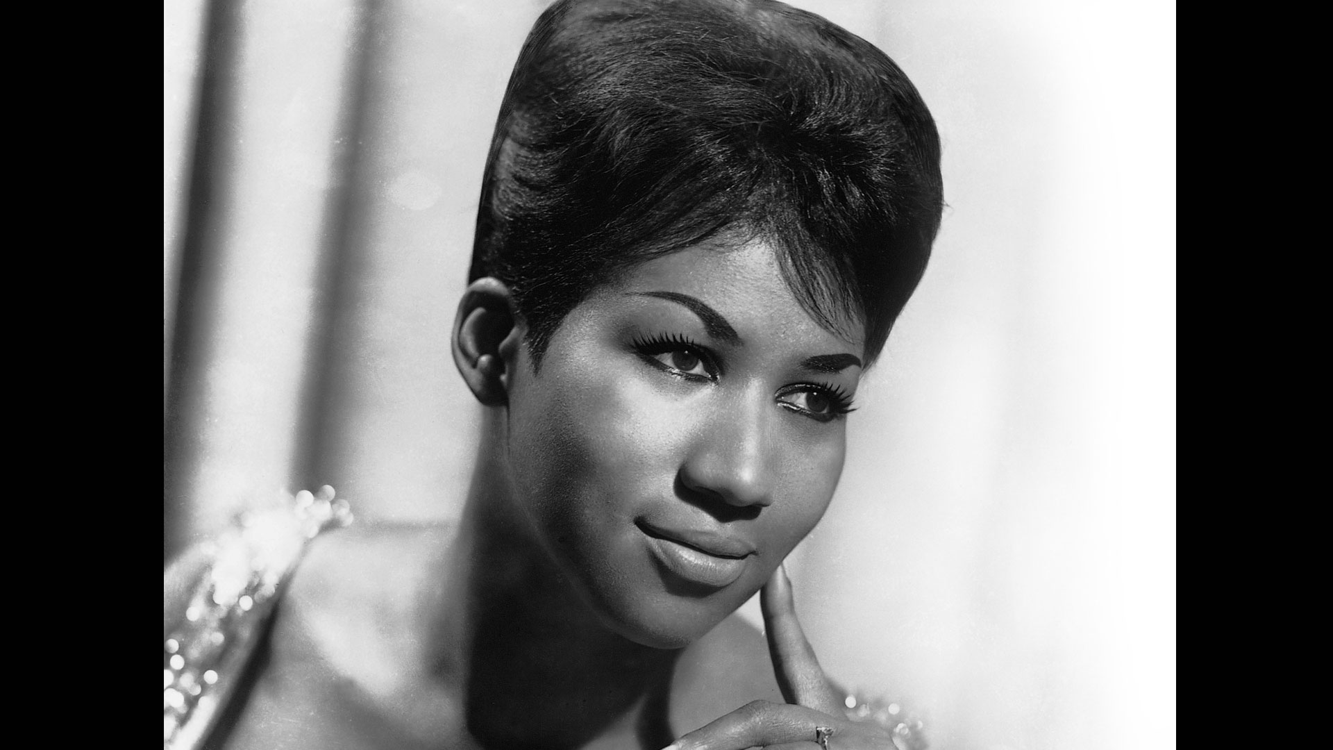 Aretha Franklin, the Queen of Soul, co-hosts RHYTHM, LOVE & SOUL (MY MUSIC).