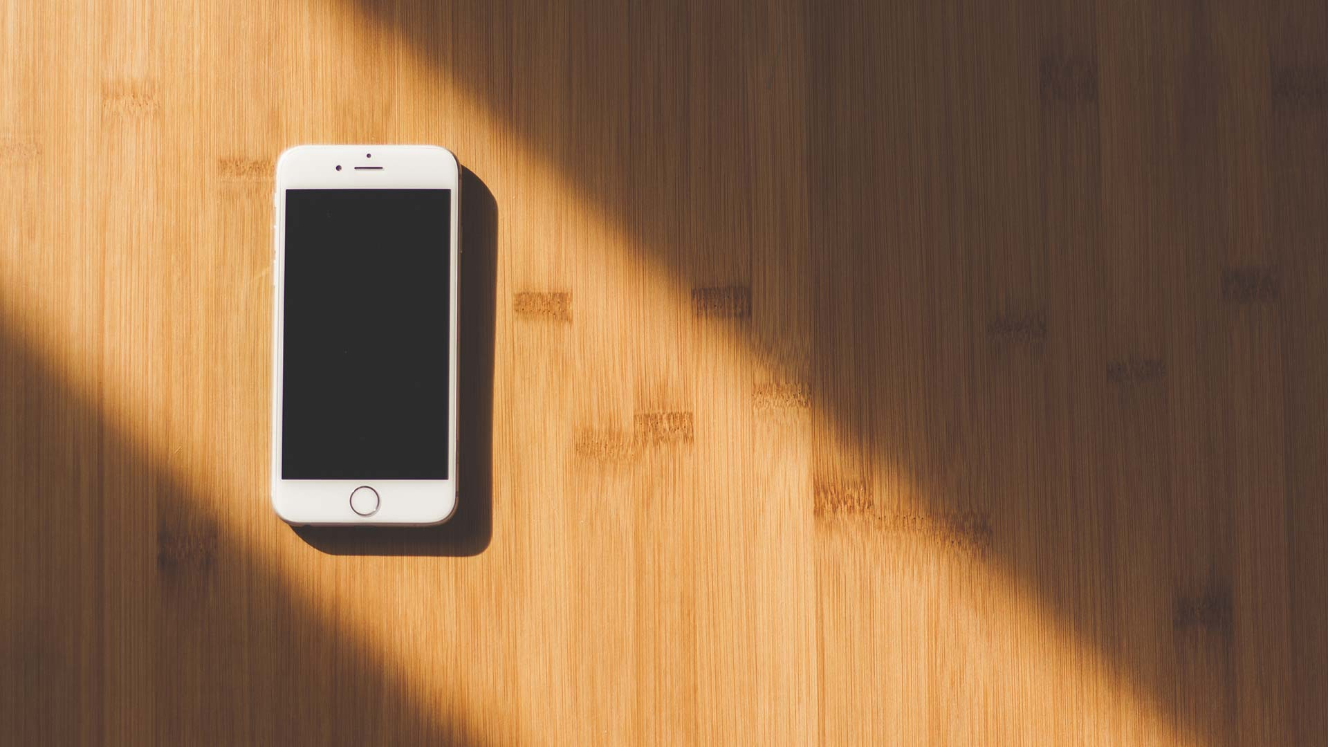 Smartphone cell hero