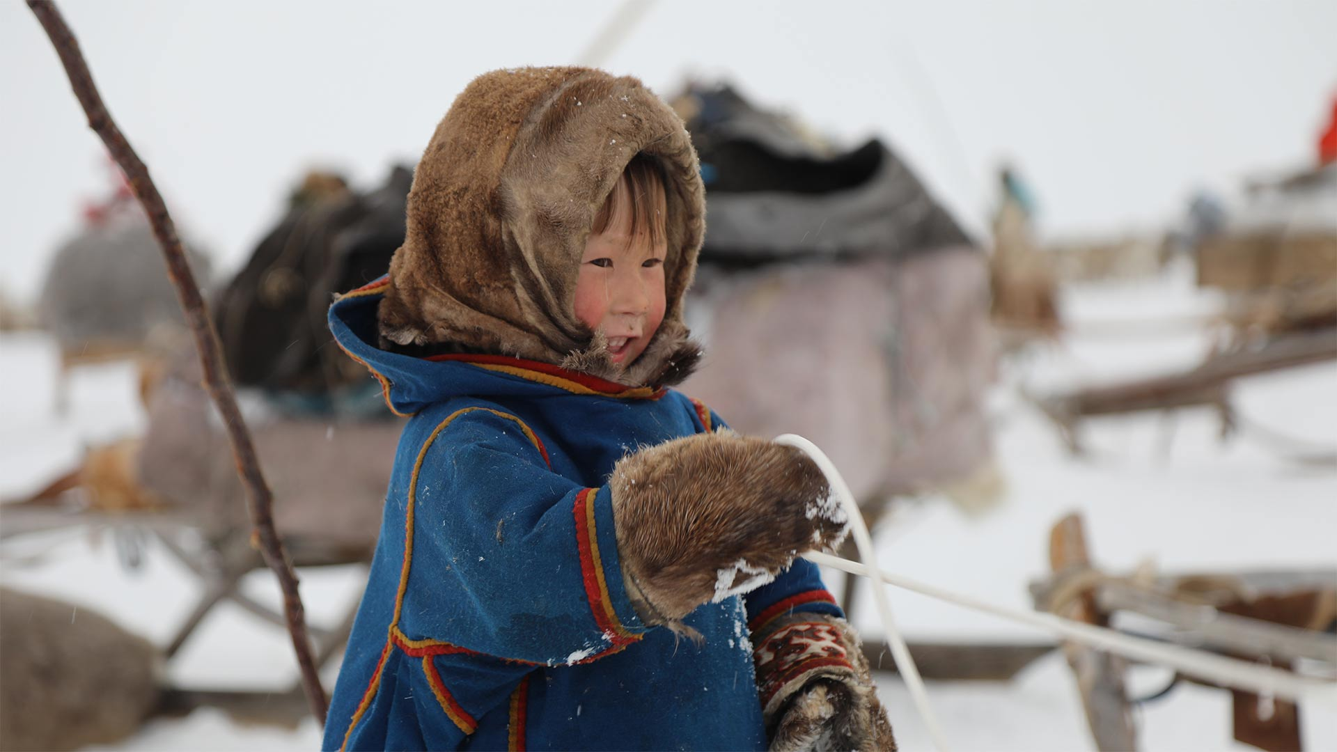 earth_nat_wonders_life_extremes_child_siberia_hero