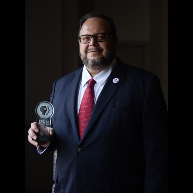 Enrique philanthropy award