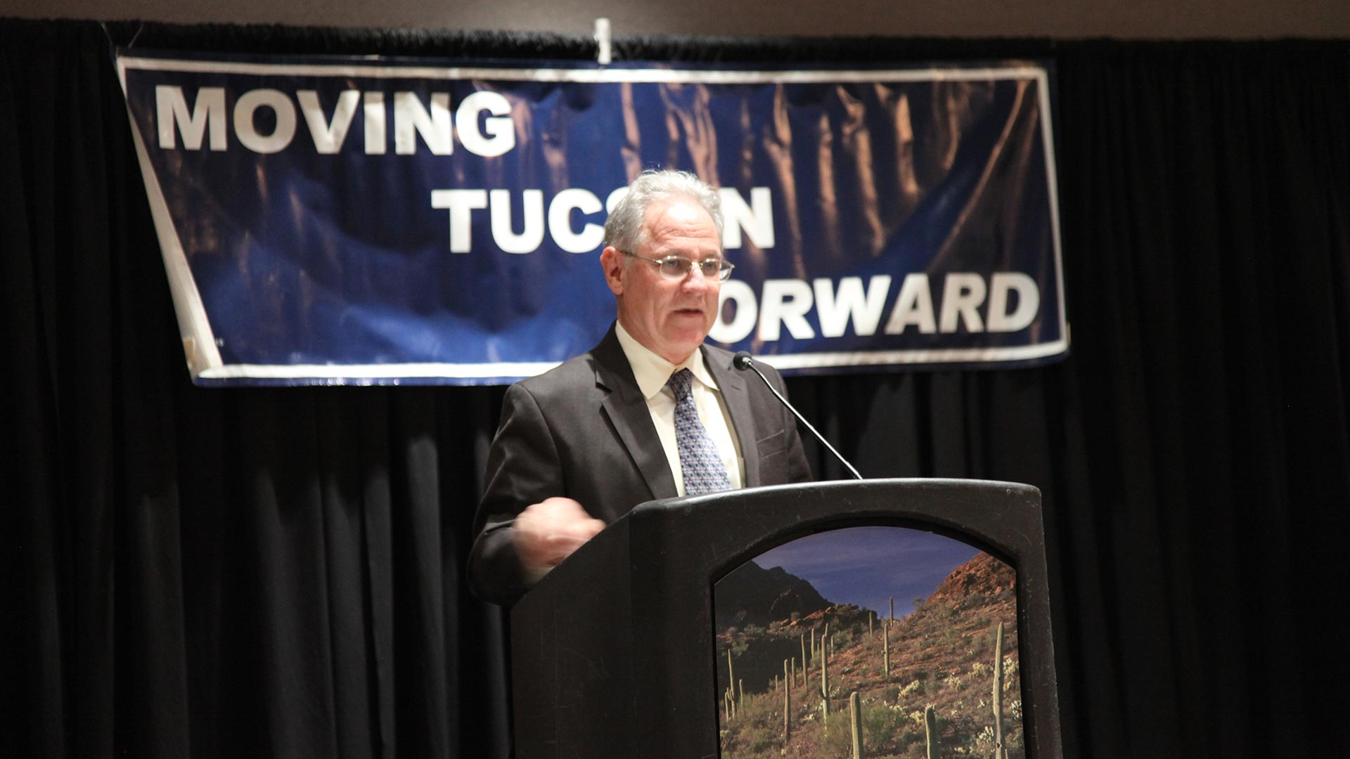 Tucson Mayor Jonathan Rothschild speaks at his second inauguration, December 2015.