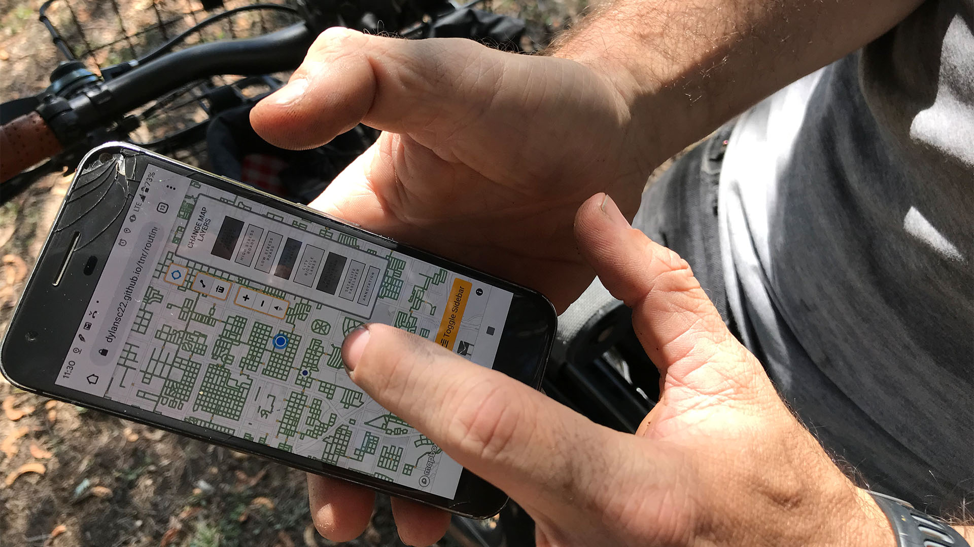A local bicyclist created an interactive map to guide cyclists to streets with less traffic that feel safer than large roadways.