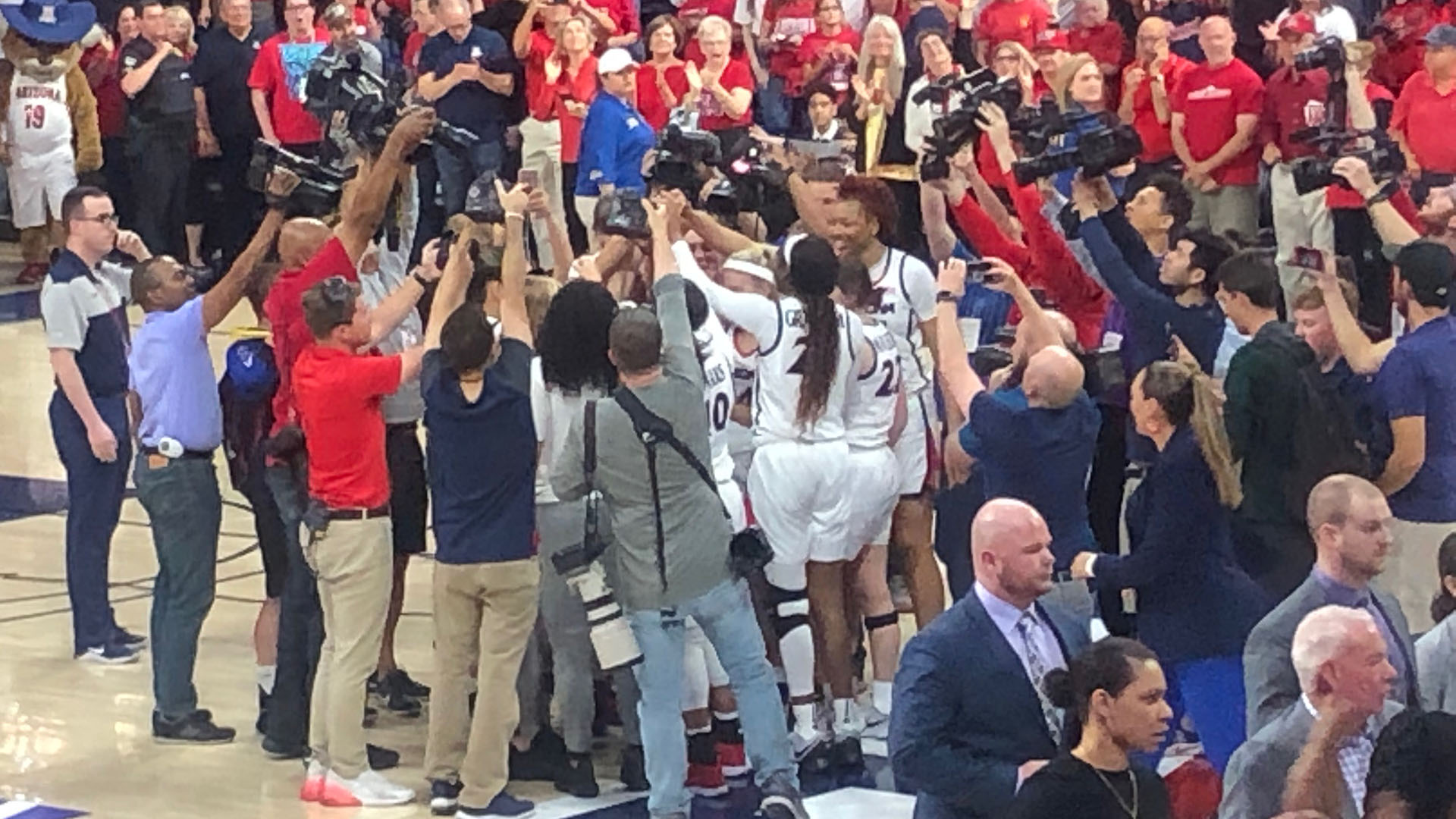 UA Women's basketball WNIT celebration