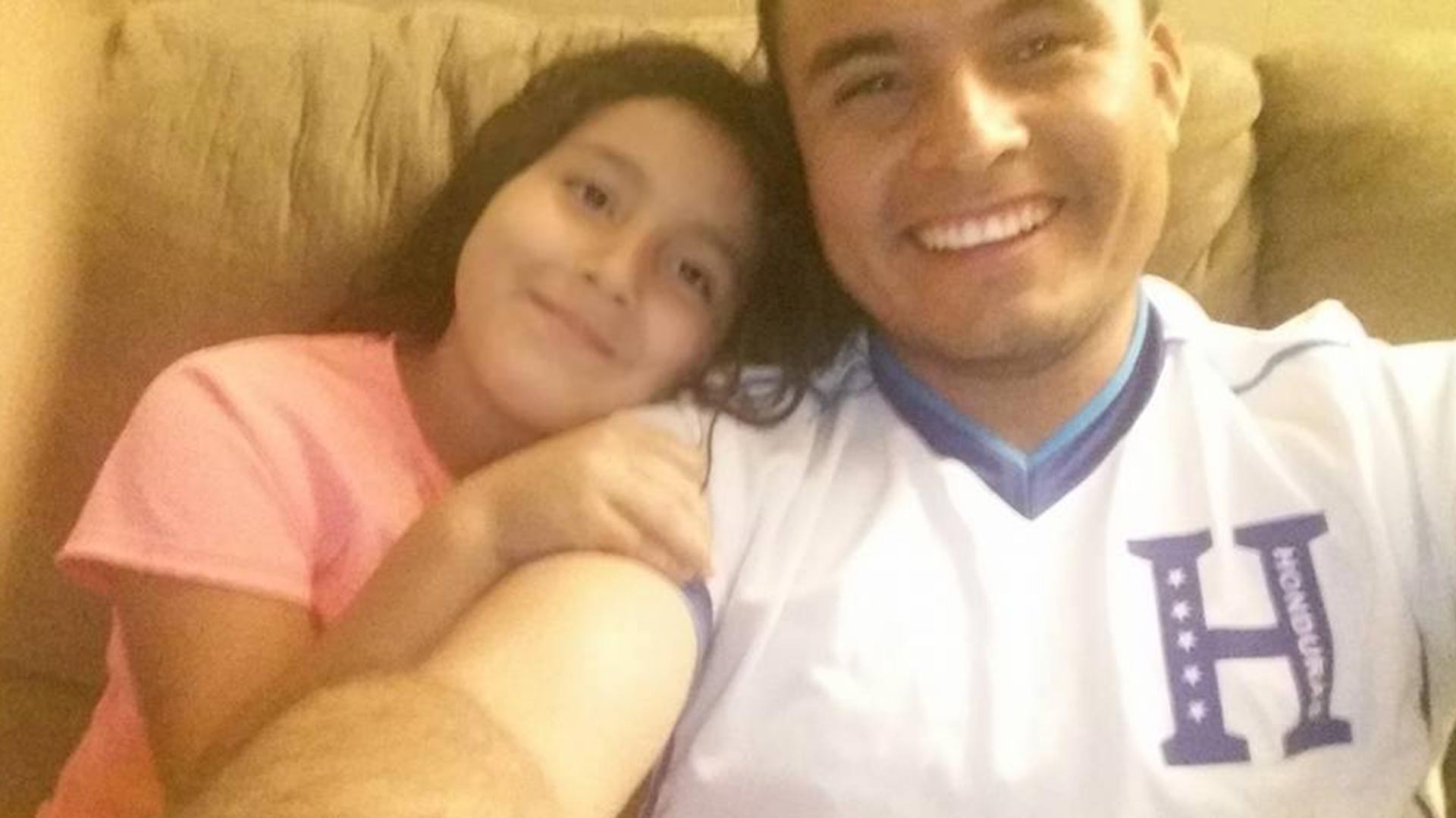 Yomeiny Mairena spends time with his daughter (2015)