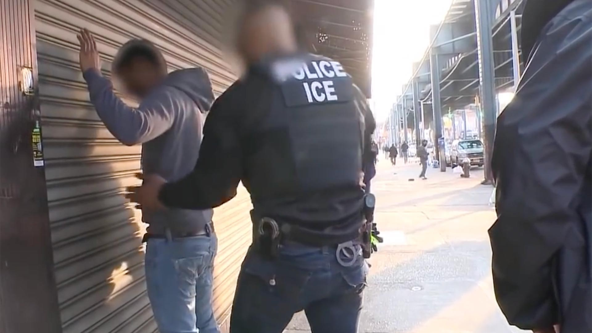 Ice Agents arrest a suspected undocumented immigrant. (May, 2018)