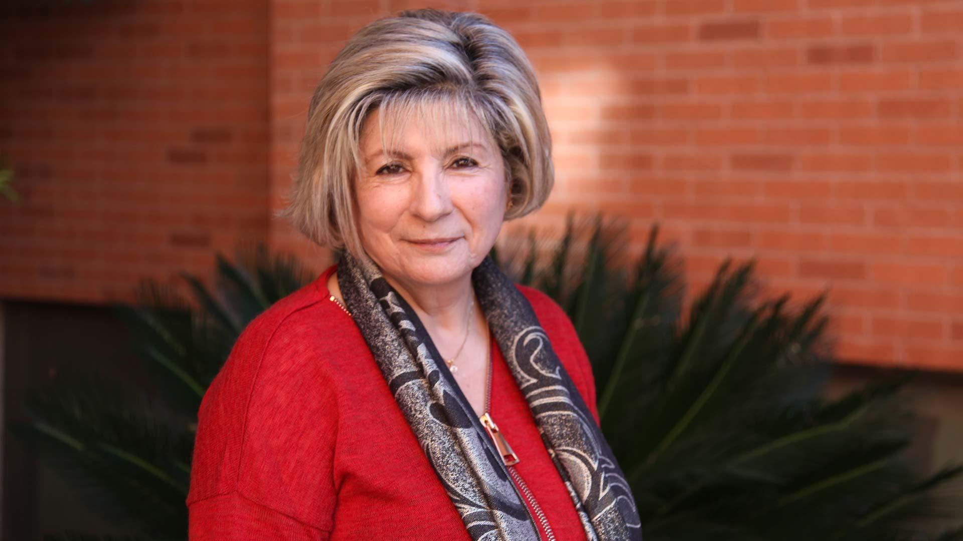 Nooshie Motaref author